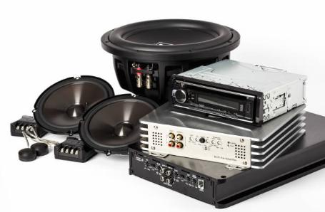 Tovární audio zařízení